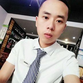 杨翔-百合网成都征婚交友